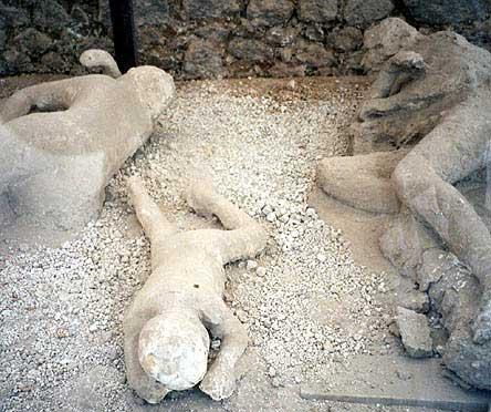 http://100falcons.files.wordpress.com/2008/10/pompeii-dead.jpg